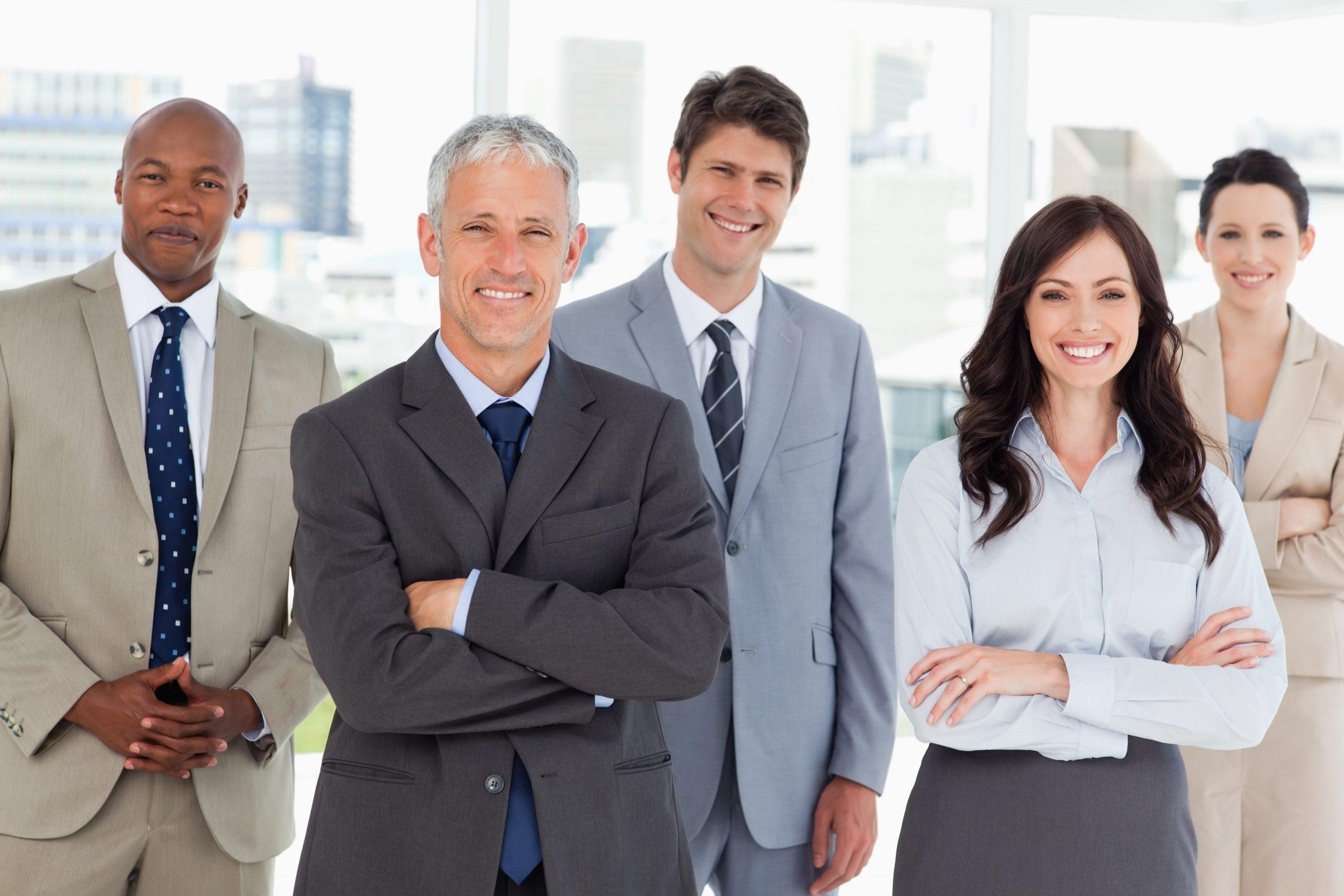 une équipe de 5 traducteurs et réviseurs